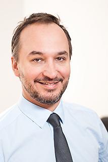 Dr. med. Ralf J. Dirschinger